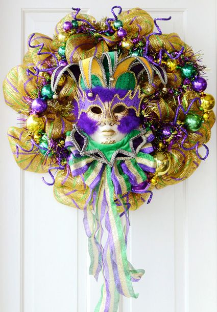Mardi Gras Wreath - DIY from the Mardi Gras Outlet
