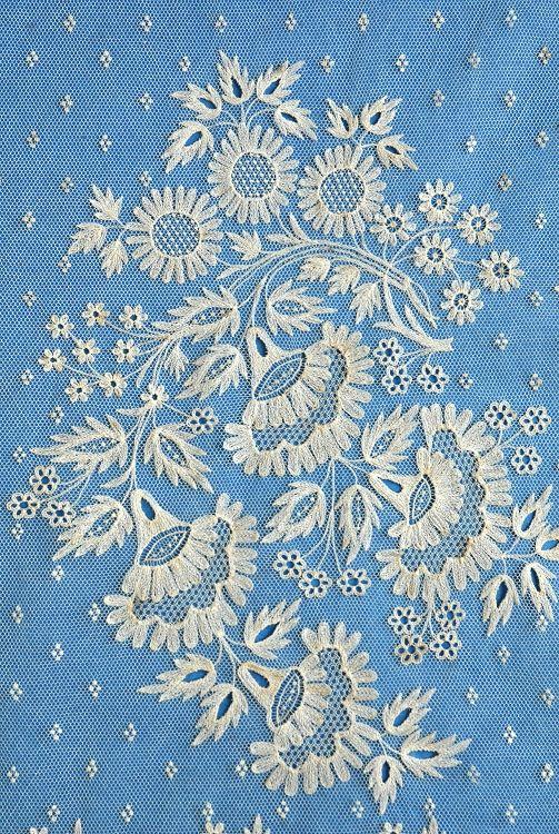 Gorgeous antique Brussels lace wedding veil closeup