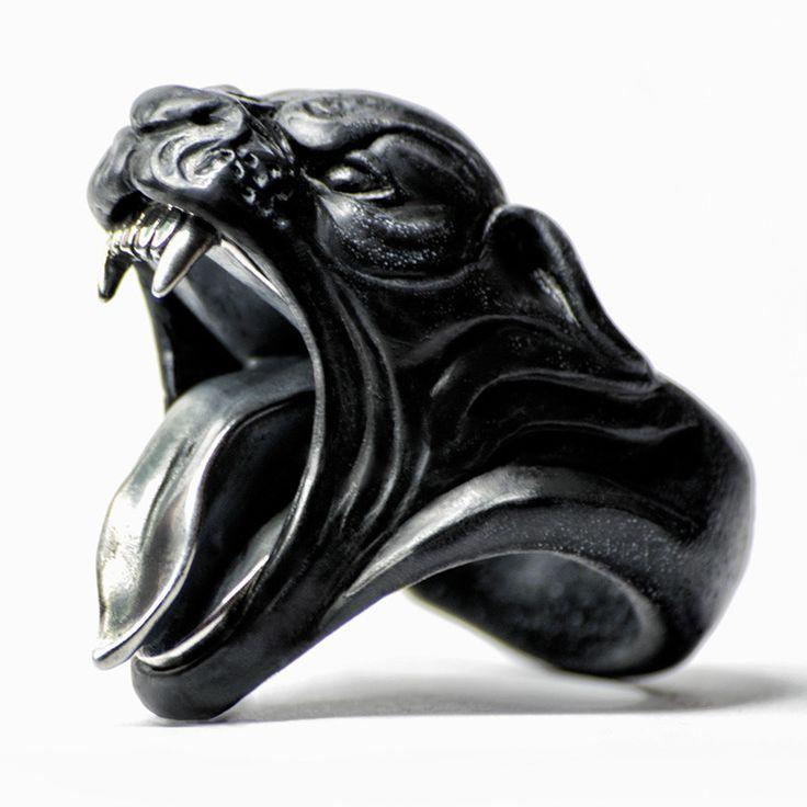 BLACK PANTHER RING