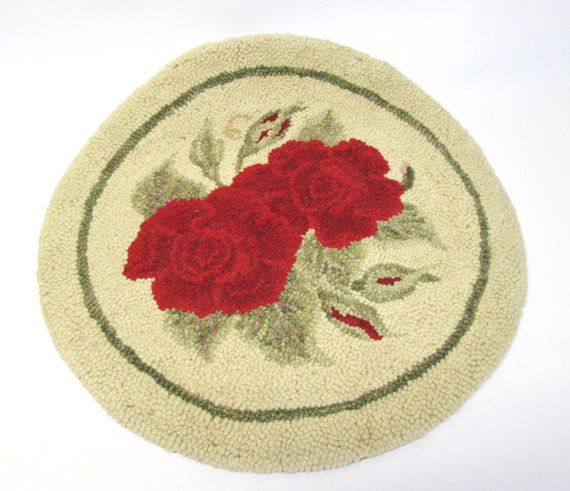 Red Rose Chair Pad Round Looped Rug Mat - Cottage Chic Victorian Floral