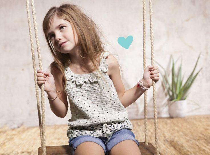 Kijk wat ik gevonden heb op Freubelweb.nl: een gratis haakpatroon van @wolpleinpins om een superleuke top voor een meisje te maken https://www.freubelweb.nl/freubel-zelf/zelf-maken-met-haakkatoen-topje/