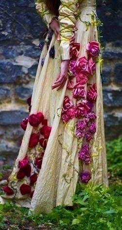Flowerry wiccan gown