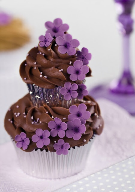"""Violetas y cassis del libro """"Cupcakes, Cookies & Macarons de Alta Costura"""" de Patricia Arribálzaga"""