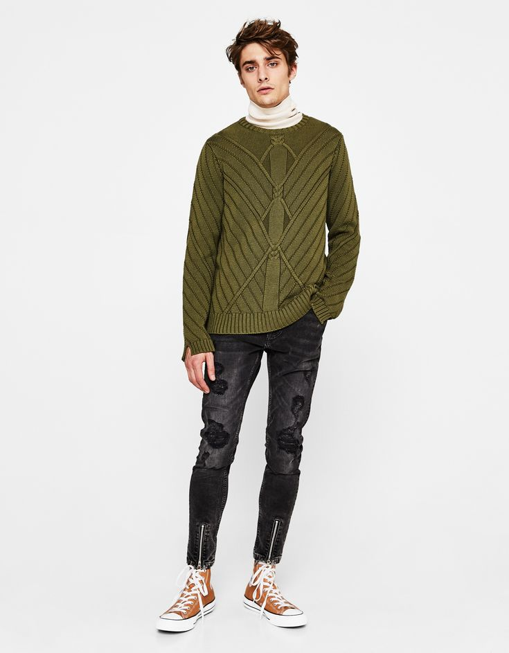 https://www.bershka.com/ba/man/clothing/knitwear/knit-sweater-c1010229570p101228503.html?colorId=506