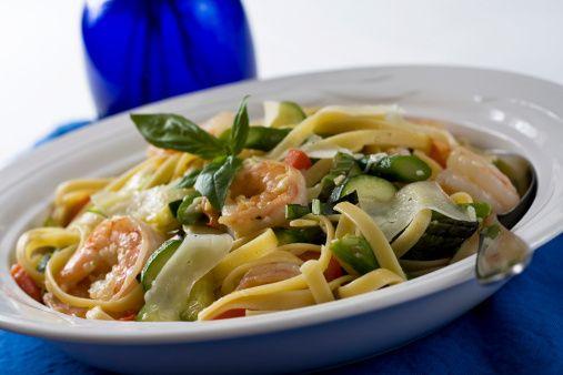 Pasta with asparagus and shrimp...tagliatelle con asparagi e gamberi