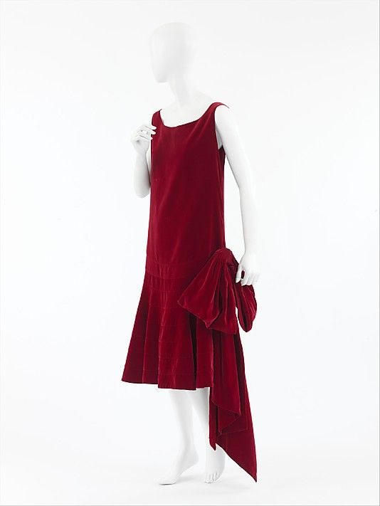"Evening Dress, Gabrielle ""Coco"" Chanel (French, Saumur 1883–1971 Paris) for the House of Chanel (French, founded 1913): late 1920's, French, cotton."