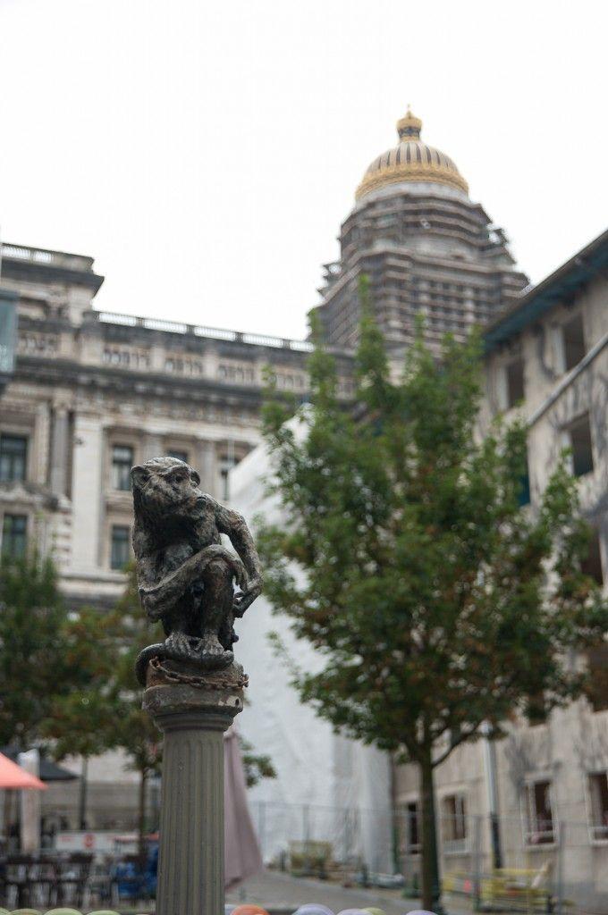 Es-tu fait pour voyager sans billet de retour ? (Detour Local) -> Vue sur le palais de justice à Bruxelles www.detourlocal.com/es-tu-fais-pour-voyager-sans-billet-de-retour/