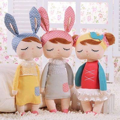 Zacht knuffelpopje voor op iedere kinderkamer.  #knuffels #popje #kinderkamer