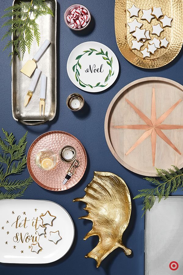 Give the gift of stylish holiday entertaining with a plethora of platters! Choose from a large assortment of table setting options, like trays, platters and serving pieces in a mix of materials, textures and finishes. Beautiful hammered detailing, intricate patterns and festive graphics add a bit of glam and instant interest to their holiday party decor. TIP: Include homemade Christmas cookies for a personal touch.