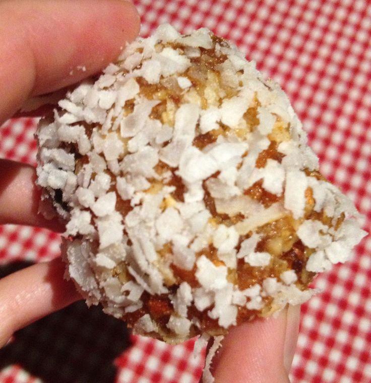 Recipe: Apricot and Almond Balls