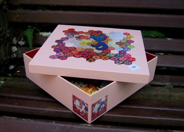 """Puzzle """"O Vôo do Beija-Flor"""" - Caixa de madeira. Por Antônia Sobral"""