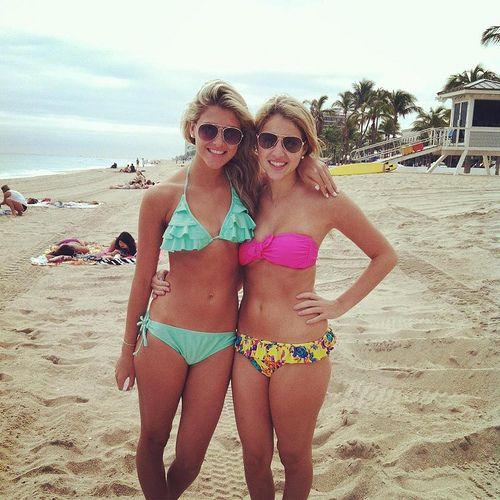 Hot Teens In Bikini 98