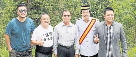 Director Mr. Vincent Kok Tak Chiu HK Movie Star Mr. Eric Tsang Chi Wai Gaharu Tea Valley Owner Mr. David Ho HK Movie Star Mr. Raymond Wong Bak Msia Movie Star Mr. Jack Lim Tak Wing