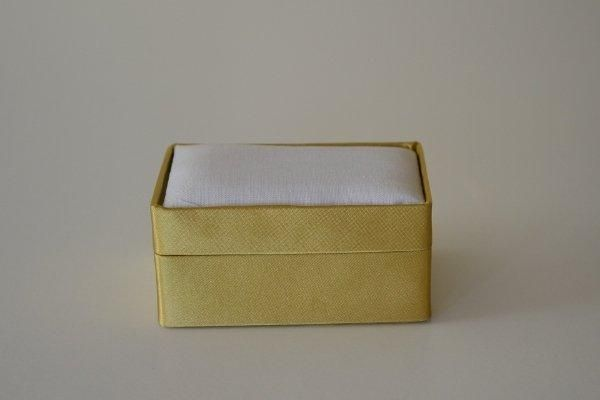 SBSrect.03 - Small Rectangular - Gold - Satin covered and lined boxes make it so easy for you to create a special gift or precious keepsake. Embellish your fabric as you desire, cover the removable, padded lid with your worked fabric and replace into the box lid. The box measures 9 x 6.5cm.
