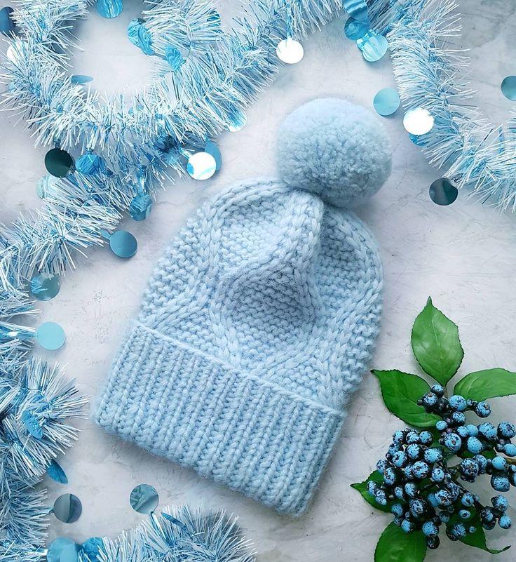 И еще одна шапочка Burberry winter по МК @shapetko_knitwear . Только детская и с шерстяным помпоном Состав альпака ОГ 52-54 Цена 2000 ______________________________ #вяжуназаказ #шапки #вязанаяшапка #вяжу #вязание #вязаниеназаказ #вяжутнетолькобабушки #knitter #knitted #knitstagram #knithat #knit #knitting #knittinglove #handmade #handknit #knitwear #knitting_inspiration #burberry_winter #шапкадетская #детскаяшапка