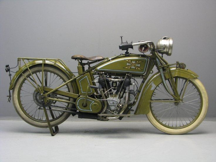1918 Excelsior Series 18 Motorcycle. Excelsior Motorcycles (1907-1931). Chicago, Illinois.#Motorcycle #boots #fashion At Eagle Ages we love Motrocycle boots. You can find a great choice of second hands & vintage Motorcycle boots in our store. https://eagleages.com/shoes/boots/men-boots/motorcycle-boots.html