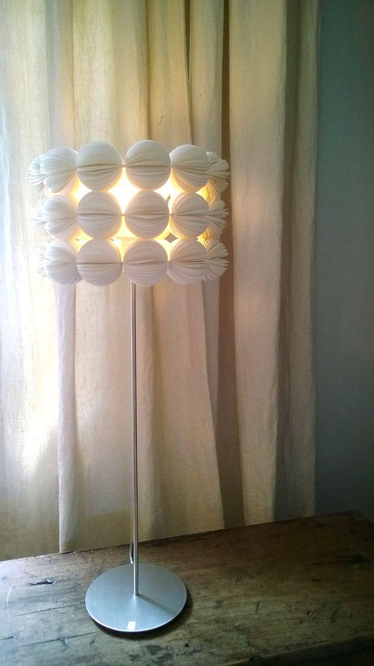 Diamond Dimple Closed Rocking Chair In 9 Kleuren - Tafellamp met kap van mulberry paper