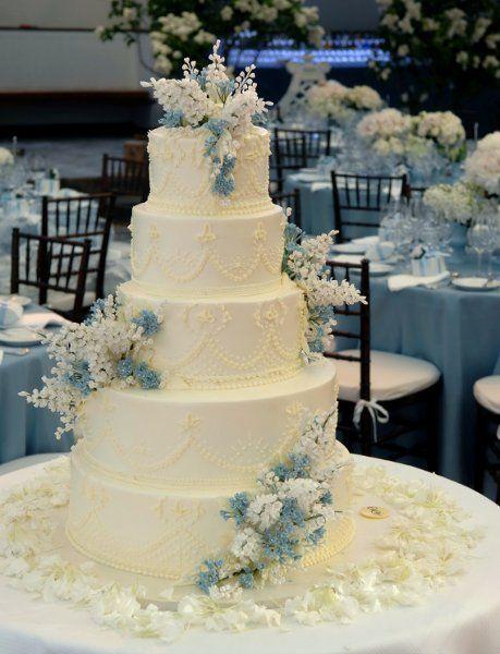 25 Best Ideas About Tall Wedding Cakes On Pinterest