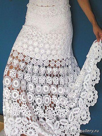 Para el verano, esta bella falda en flores en crochet irlandés...  Este es el complemento de una sexy blusa para de un cálido vestido.