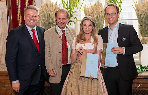 Christa Kummer und Markus Hengstschläger zu Bierbotschaftern ernannt