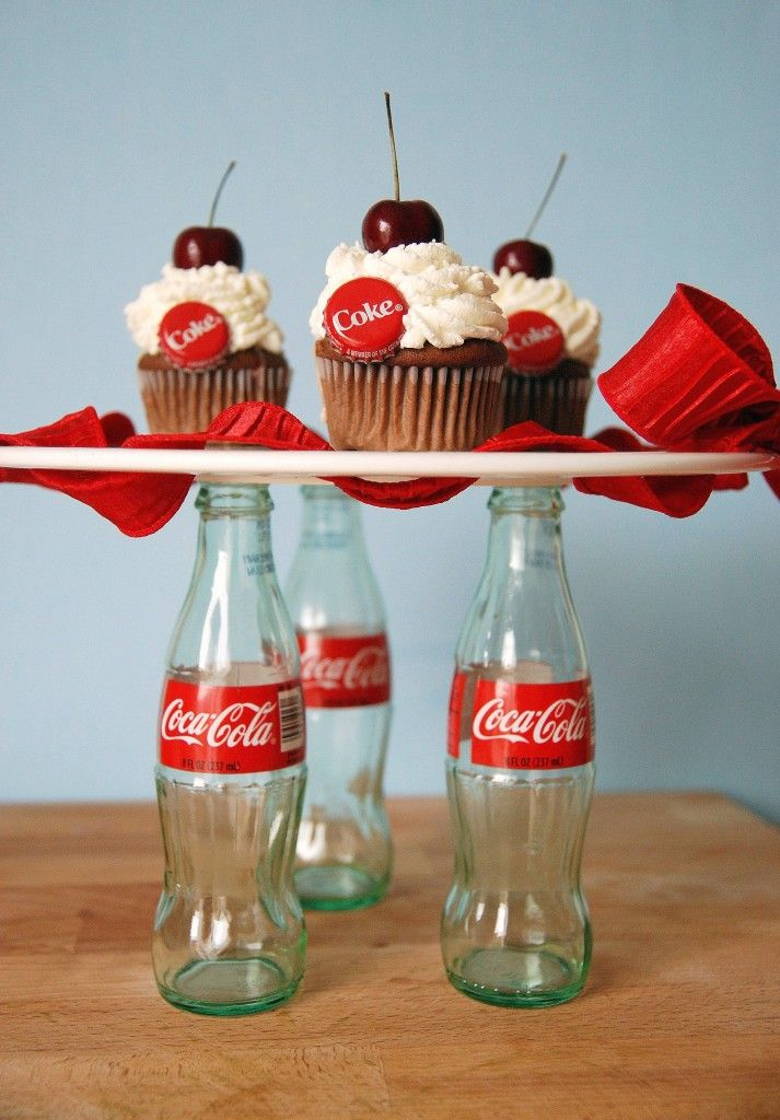 Cherry Coke Float Cupcakes. Now that's just too cute!