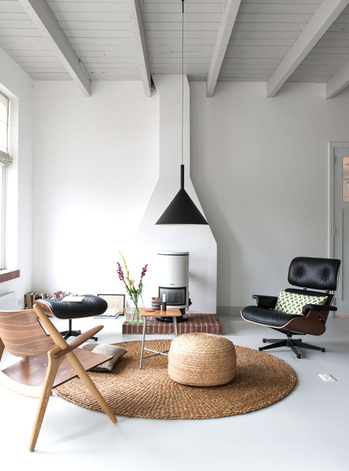 rugs in the home | circular rug | texture | living room design | home decor ideas for rented space