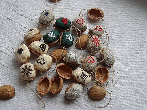 dankaajanka / Oriešky na vianočný stromček