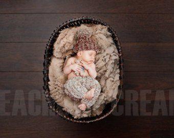 Baby Bunny Hat and Diaper Cover Crochet Set-Perfect for Newborn Photo Prop, Easter or Halloween costume – Ljósmyndafatnaður