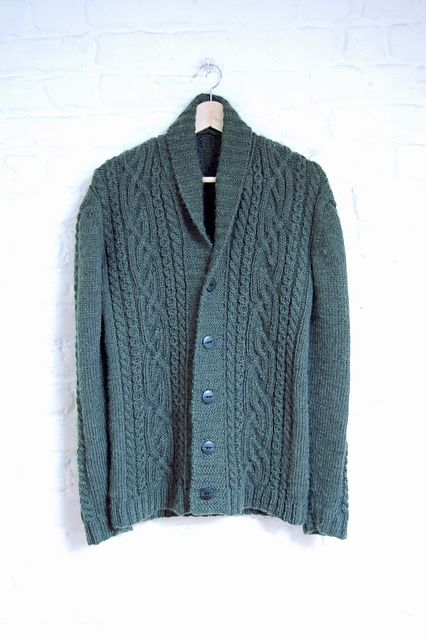 Ravelry: An Eskevien pattern by Thomas Connor (more intricate cable pattern)