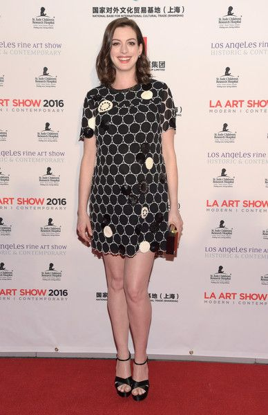 Anne Hathaway Photos Photos - Actress Anne Hathaway attends the LA Art Show and Los Angeles Fine Art Show's 2016 opening night premiere party benefiting St. Jude Children's Research Hospital at Los Angeles Convention Center on January 27, 2016 in Los Angeles, California. - LA Art Show and Los Angeles Fine Art Show's 2016 Opening Night Premiere Party Benefiting St. Jude Children's Research Hospital - Arrivals