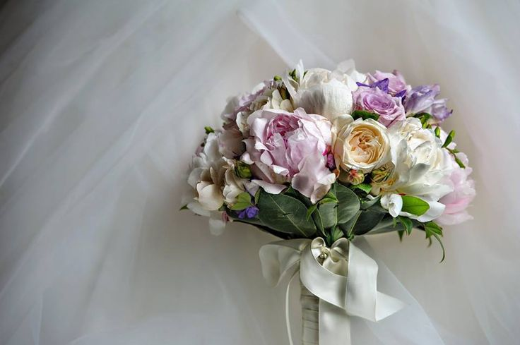 Pink and cream peonies and cream David Austin with purple rose bridal bouquet #sunpetalsflorist