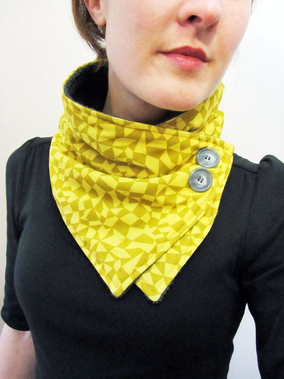 Ähnliche Artikel wie Yellow and Ochre Geometric Shapes Neck Warmer Scarf auf Etsy