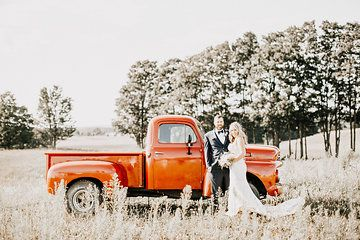 Must have for barn wedding pic: Rustic truck