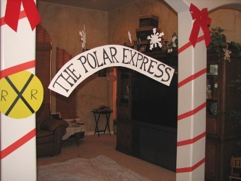 Polar Express Party... I'm all about the decoration at a party, make sure this is really magical for the kids like they are right on the polar express and at the North Pole.... Best Christmas movie of all time!!!