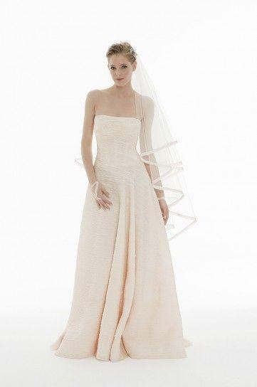 Vestito da sposa con cristalli sulla scollatura Peter Langner