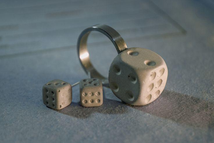 Betonowa biżuteria i wyposażenie wnętrz