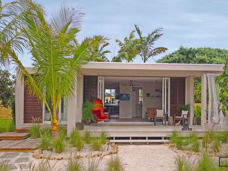 Best 25 affordable prefab homes ideas on pinterest for Prefab beach cottage