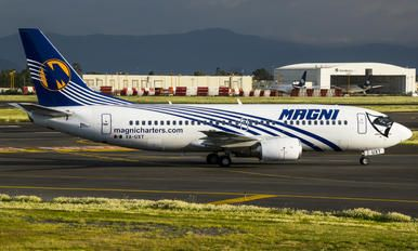 XA-UXT - Magnicharters Boeing 737-300 photo (22 views)