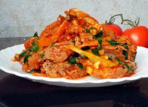 Рецепт приготовления соевых стейков с тушеными овощами