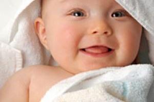 Cand hotarasti daca iti vei alapta sau nu copilul, trebuie sa iei in considerare sanatatea propriului organism, stilul de viata. Desi laptele matern este cel mai bun pentru bebe, exista anumite obstacole care te pot face sa consideri si alternativa hranirii cu lapte praf.
