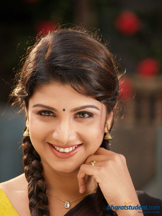 http://www.bharatstudent.com/ng7uvideo/bs/gallery/normal/actress/tw/2007/aug/rambha/rambha_041.jpg