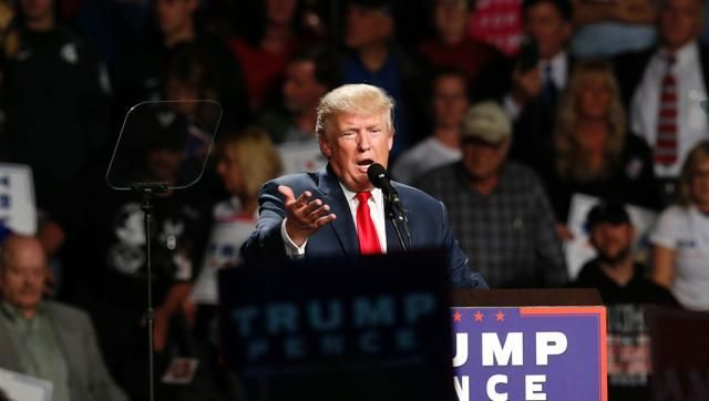 Going all in: Trump sticks to attacks, insults, hoping to overtake Clinton - http://thehawk.in/news/going-all-in-trump-sticks-to-attacks-insults-hoping-to-overtake-clinton/