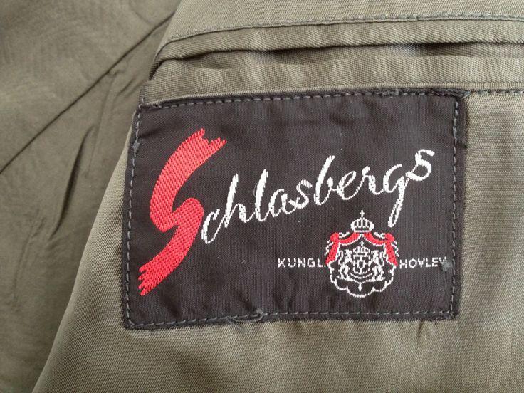 Schlasbergs konfektions AB gick i konkurs 1978. Innan dess hade fabriken varit Landskronas stolthet sedan 1896.