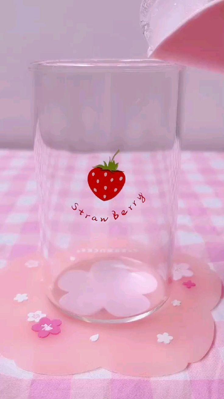 Strawberry Drinks, Strawberry Ice Cream, Kawaii Games, Japanese Drinks, Food Vids, Kawaii Tattoo, Dark Anime Girl, Cartoon Wallpaper Hd, Otaku Room
