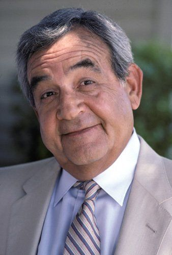 Happy Days -  Tom Bosley 	... 	  Howard Cunningham
