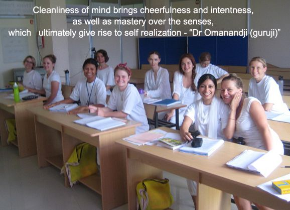 Yoga Theory classes at #Paramanand #Ashram!  Register online for admission @ www.paramyoga.org/procedure-5-68