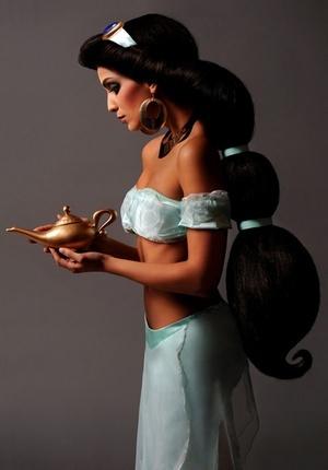 Jasmin from Aladdin gespanto