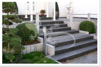 Stufen aus Naturstein - Blockstufen aus Naturstein, Granit