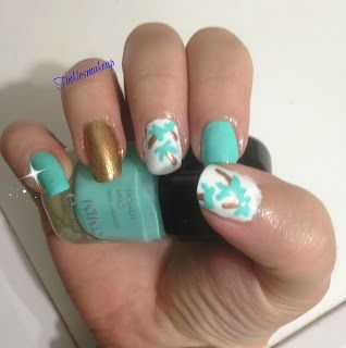 a_year_with_nail_art_palm_trees