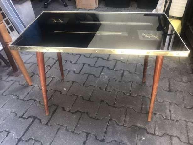 170 zł: Sprzedam stolik kawowy do renowacji . Więcej informacji pod nr tel 790469851